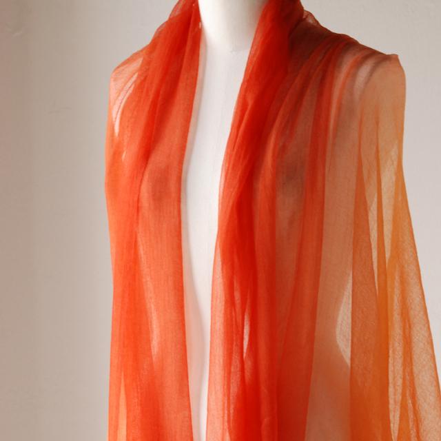 OYUNAの上質なコットンウェア。モンゴル出身の女性がデザインする、美しいドレス、ベストなど。