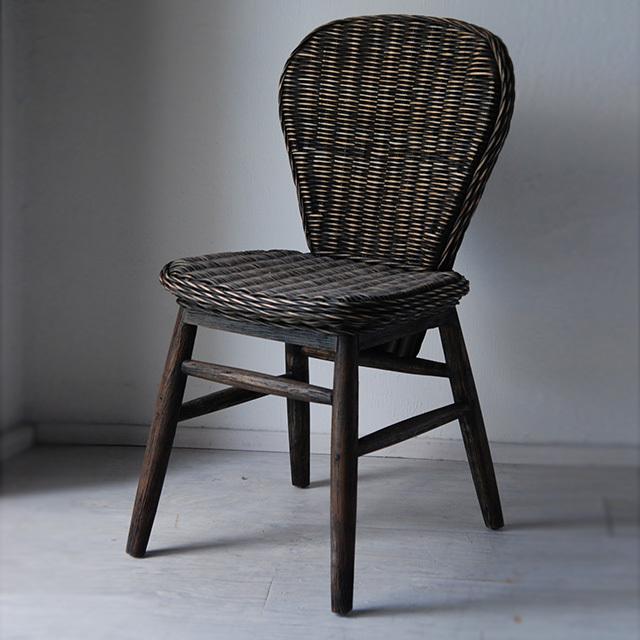 センプレ SEMPRE 自然をそのまま家具に落とし込む。