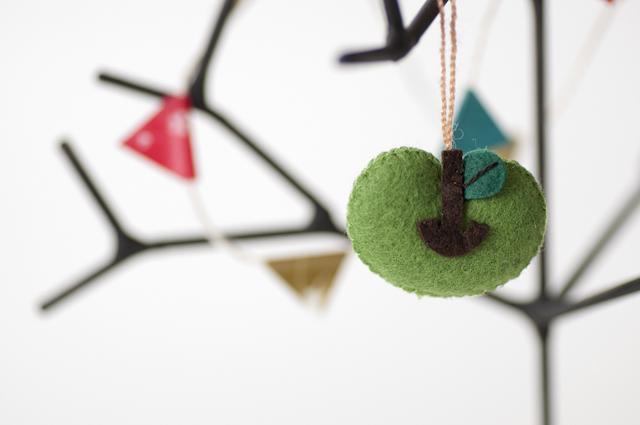 moda フェルトオーナメント りんご / グリーン(IN-3530)【ネコポスOK】
