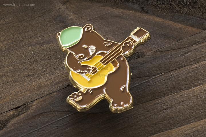 OURS 森林好朋友 ピンバッジ クマのバンドシリーズ ギター【ネコポスOK】