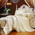 レースエッジの素敵な寝具カバーセット