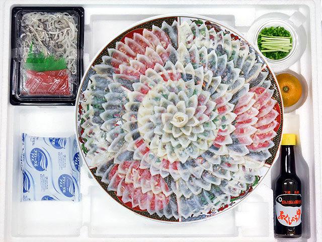 圧巻の36cm皿に、厚引きとらふぐ刺身。下関ふぐの魚重が送る、食卓に映えるうまいてっさし!