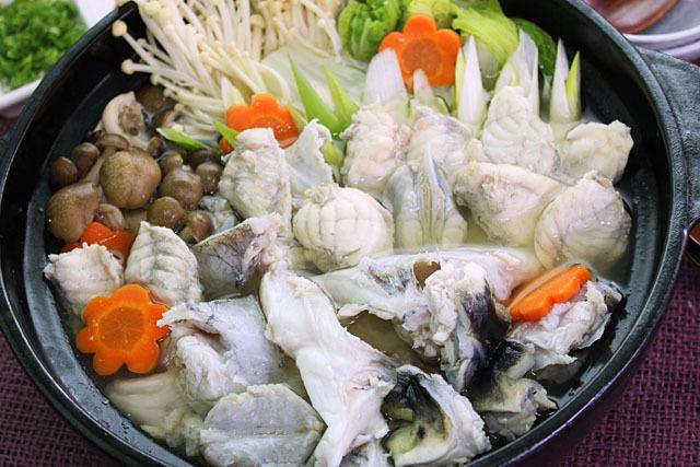 ちり鍋用の切り身とあらも、国産とらふぐです。