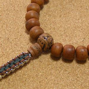 [数珠・念珠]鳳眼菩提樹27珠 龍眼菩提樹 ラブラドライト 正絹紐房八本組み