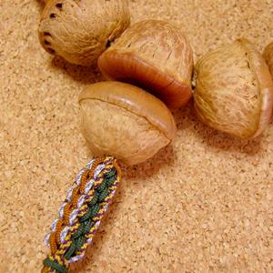 [珍品]天竺菩提樹(原実)の数珠・念珠-8本組正絹紐房仕立て