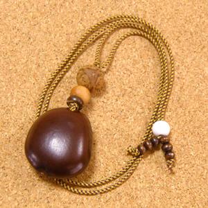 世界一大きな豆『モダマ』のチョーカーネックレス#01-龍眼菩提樹&白檀仕立て