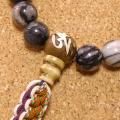 [数珠・念珠]天然石ピカソジャスパー27珠 真言彫刻法螺貝 正絹紐房八本組み