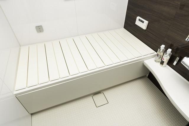【送料無料】【取扱店限定】Ag折りたたみ風呂ふた 抗菌  しろ 既製品サイズ