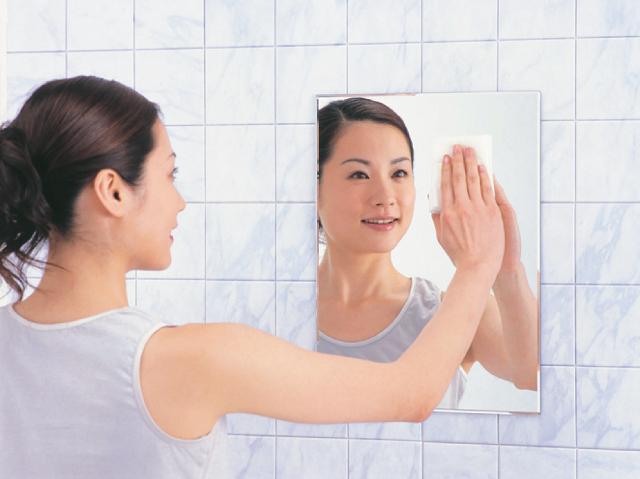 【日本製】浴室鏡の汚れ落としに!ミラークリーナー