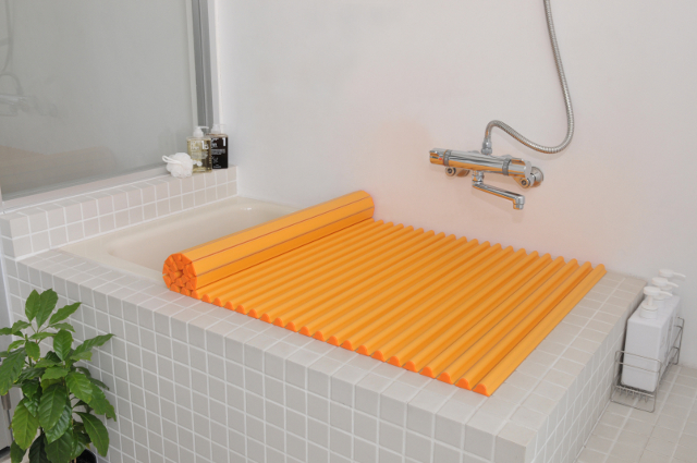 【送料無料】東プレ カラーイージーウェーブ抗菌風呂ふた L12 オレンジ 75×120cm用