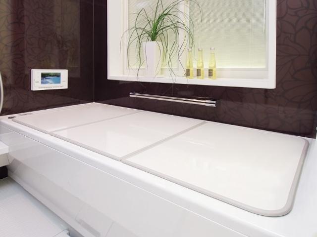 【送料無料】新色登場!ボードタイプの風呂ふた「センセーション」U10 68×98cm 2枚割 両面ホワイト 19961100