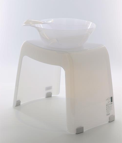 在庫限定商品 ちょっと色違い。レジェール  風呂いすH30&手桶&湯桶セット~ミルキーホワイト~