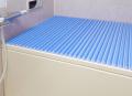 【送料無料】東プレ お掃除カンタン!カラーウェーブ風呂ふた M10 ブルー 70×100cm用
