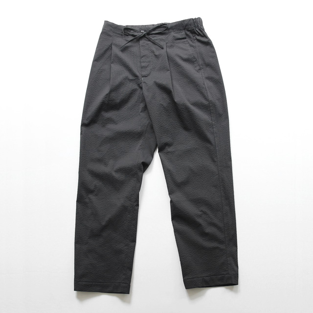 comm. arch. / Cool Seersucker Easy Trousers - Coalmine