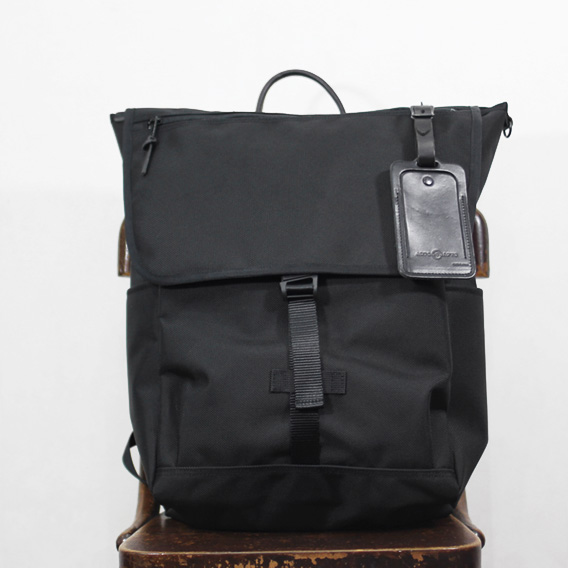 Arts & Crafts / Double Six Nylon Flap Pack