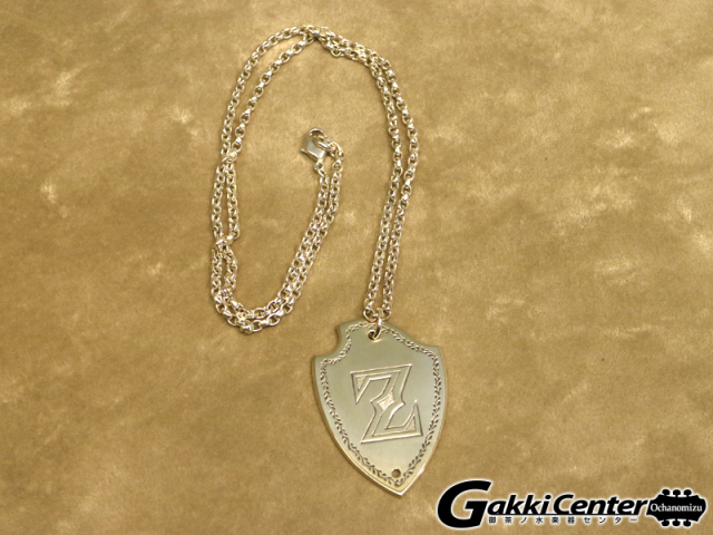 ZEMAITIS Shield Shape Pendant