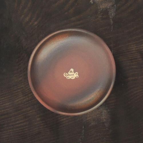 魚文5寸皿(赤土):與 宏文:041057