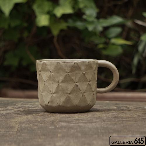 マグカップ(菱形紋サンドベージュ):サカグチケイコ:022002