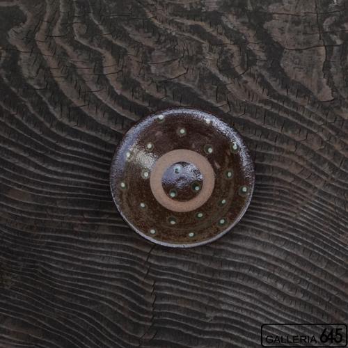 3.5寸皿(焼〆緑白点打):石倉一人:083006