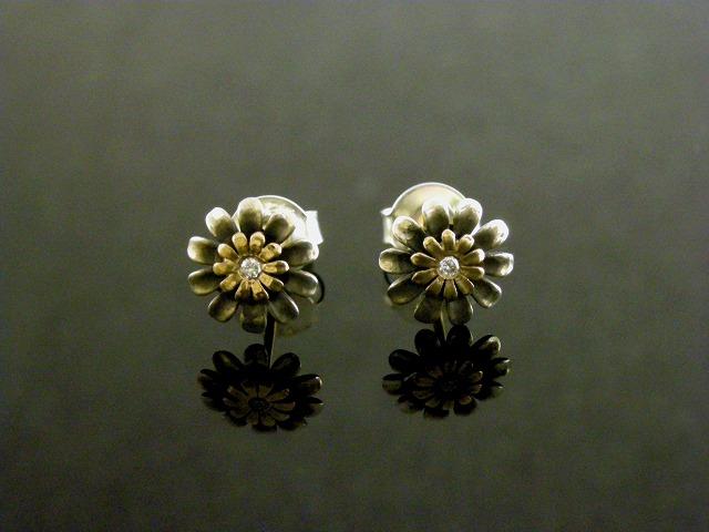 花モチーフピアス
