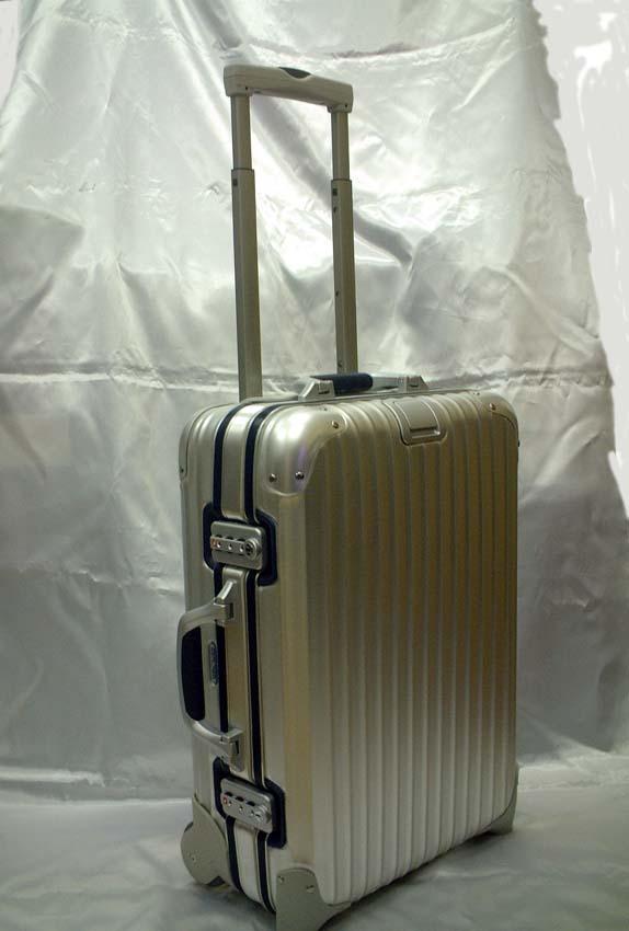 ☆ラスト1個 セ〜ル☆2010年モデル☆RIMOWA リモワ SilverIntegral シルバーインテグラル 925.52 2輪 機内持込