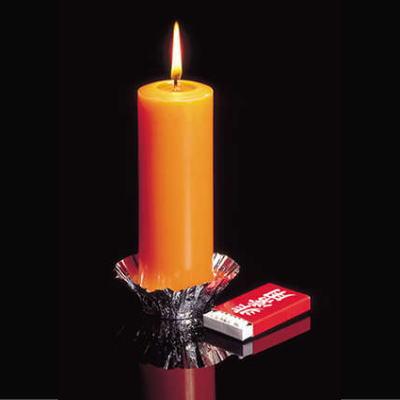 万が一の災害に備える非常灯。電源や電池が無い場合でも、マッチ1本で約33時間燃え続けて、非常用ローソク