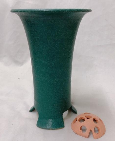 信楽焼き寒蘭鉢 5.5号 青銅 胴しぼり サナ付き