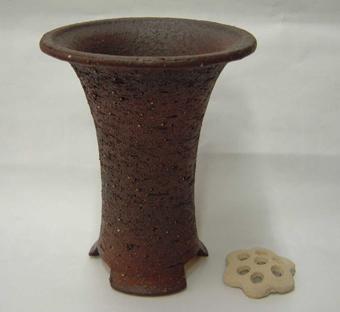 信楽焼き春蘭鉢 5.5号 岩石胴しぼり サナ付き