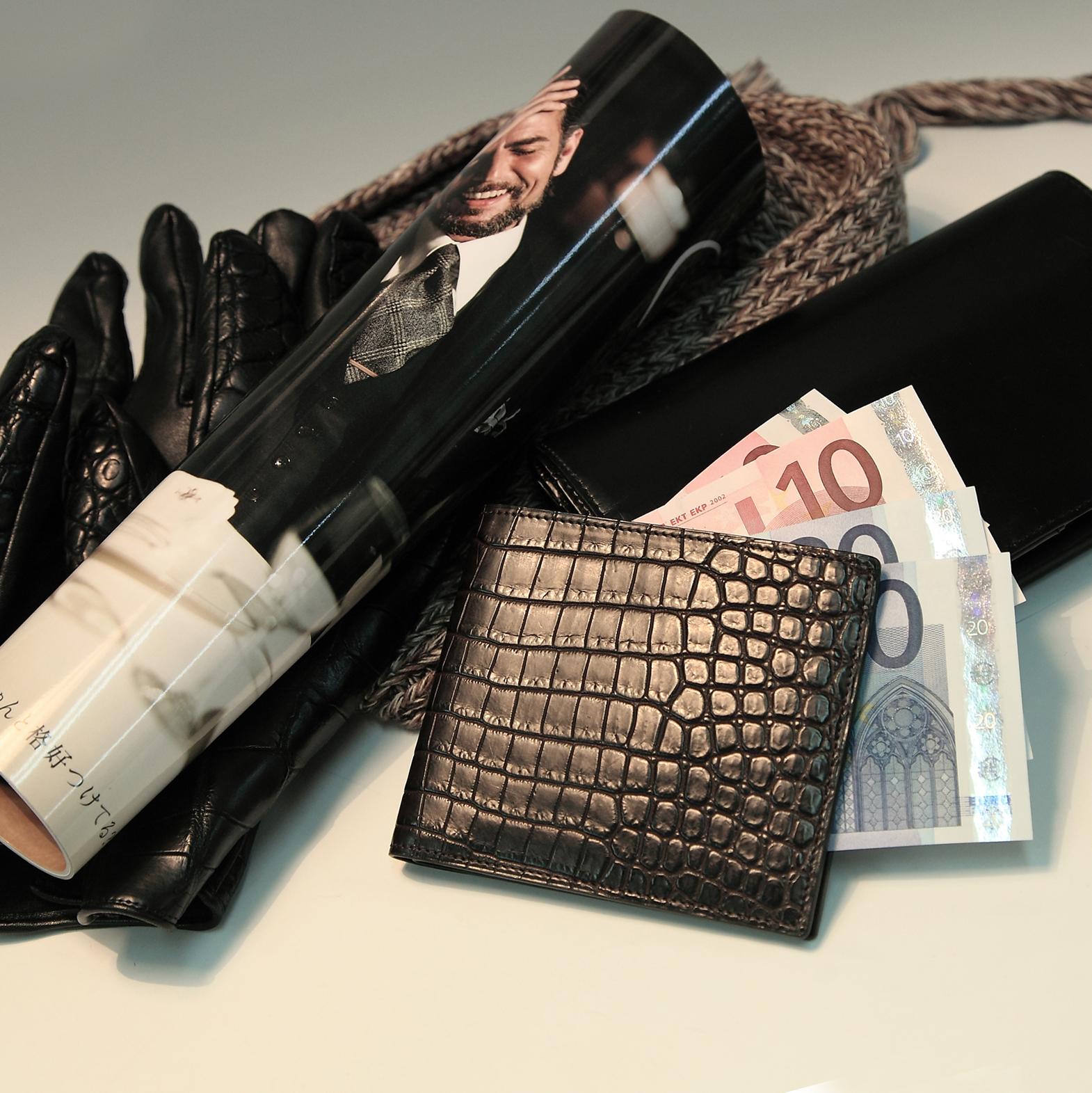 比留間 二つ折り財布(切り目) 縦カード