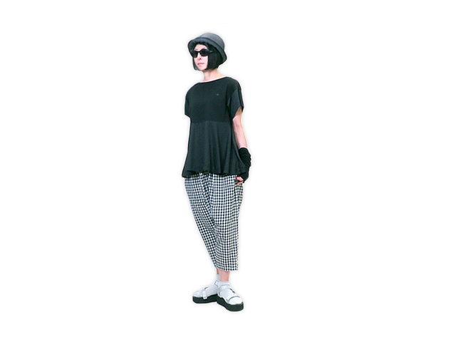 【Vivienne Westwood RED LABEL】レディース 02(M~L)サイズ◇ネイビー再入荷(6月14日)☆半袖Aライン切替カットソー☆大人可愛いシルエット☆20%off