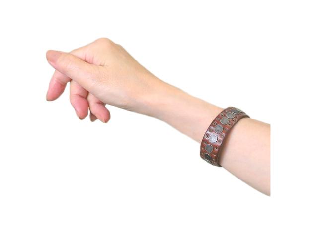 【HIGH】レディス&メンズ(ONE)サイズ◇手首のおしゃれを考えたスタッズブレス☆彡50%OFF☆彡