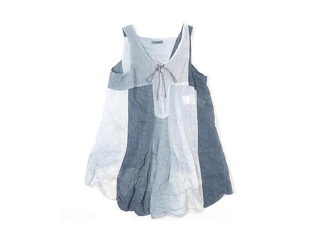 【ジルボー】レディースMサイズ☆3D裁断が体を包み込む☆彡超軽量織り柄チュニック!!!50%OFF