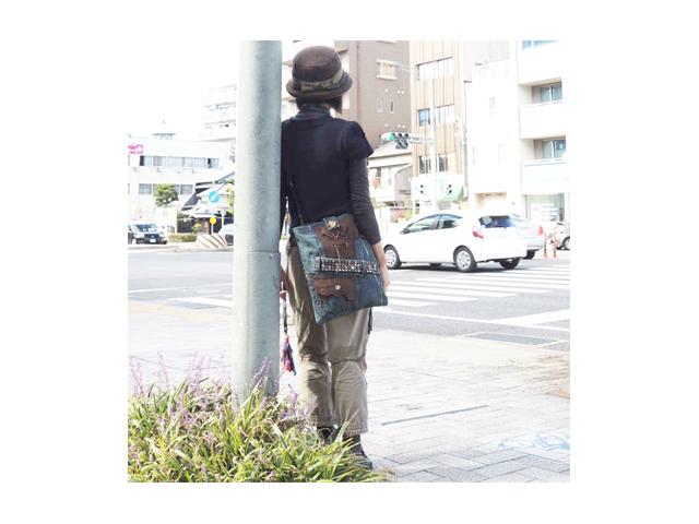 【GCL】メンズ&レディース◇最新ボディーバッグが登場しました☆彡スタッズベルトとレザー付きポケットコラボ