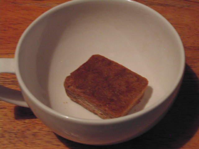 お湯を入れるだけで、本格的な味が楽しめる、インスタントスープ