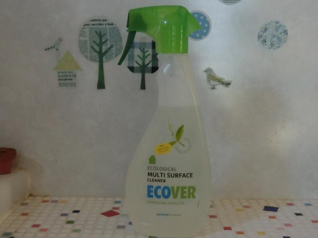 植物&ミネラル由来原料がベース・環境と手肌に優しい【エコベール 簡単ピカピカクリーナー】