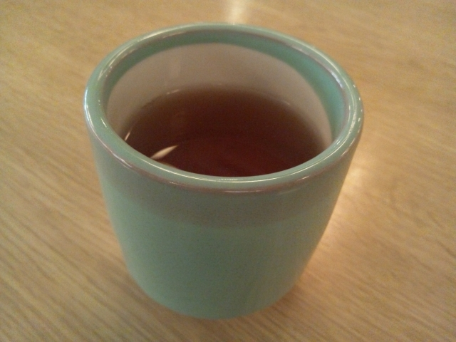 お茶湯飲み入り