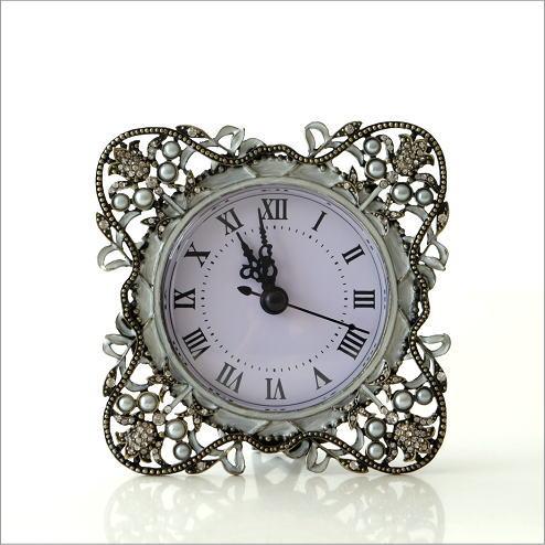 置時計 おしゃれ アンティーク アナログ かわいい 卓上 時計 テーブルクロック リーブ