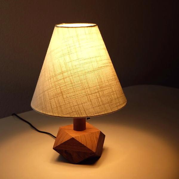 ランプ ベッドサイドランプ テーブルランプ おしゃれ 木製 ウォールナット ランプスタンド スタンド照明 ウッドデスクランプ B 【送料無料】 [aks0753]
