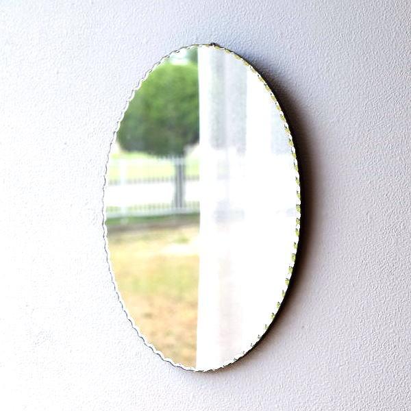 鏡 壁掛けミラー おしゃれ ウォールミラー 楕円 丸 シンプル かわいい 玄関 トイレ オーバルミラー フリル [aks5680]