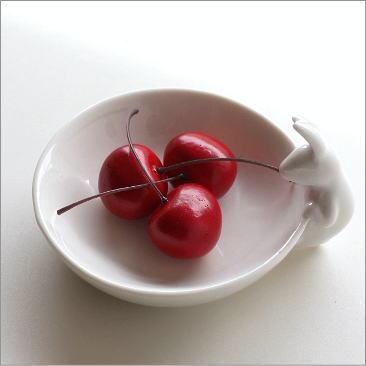 トレイ うさぎ 雑貨 オブジェ インテリアトレー 小物入れ 陶器のラビットトレー