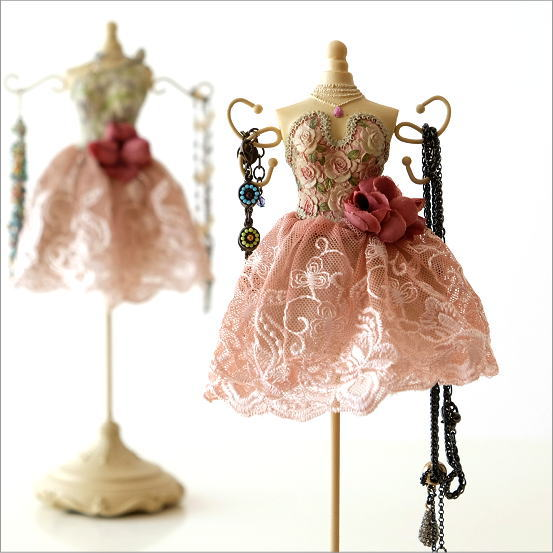 アクセサリースタンド ドレス 可愛い おしゃれ ジュエリースタンド アンティーク インテリア 卓上 ネックレス かわいい アクセサリースタンド ドレス2タイプ