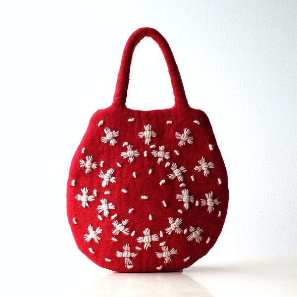 フェルトバッグ トートバッグ 羊毛フェルト ウール おしゃれ かわいい あったか ふわふわ フェルトデイジー刺繍卵型バッグ [kan2635]