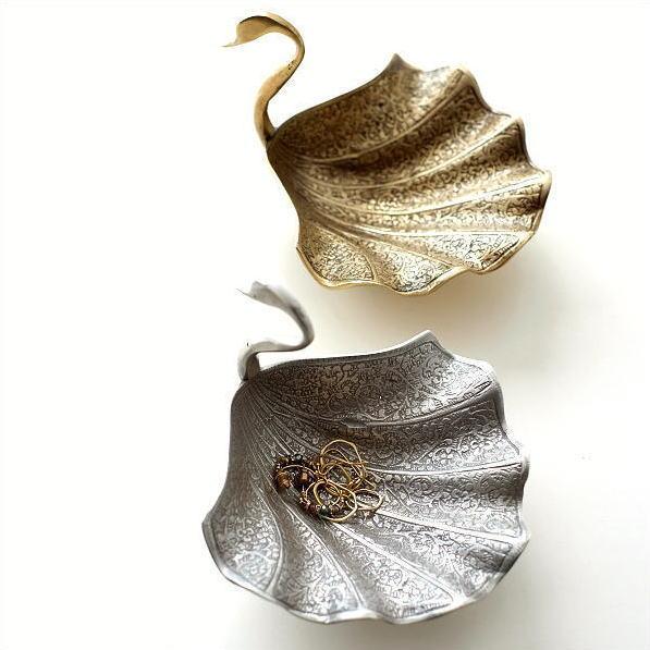 プレート トレー トレイ 真鍮 小物 皿 ゴールド シルバー レトロ おしゃれ アンティーク アクセサリートレイ 卓上 収納 小物置き ブラススワンプレート2カラー [kan4678]