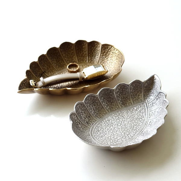 プレート トレー トレイ 真鍮 小物 皿 ゴールド シルバー おしゃれ アンティーク アクセサリートレイ 卓上 収納 小物置き ブラスペイズリープレート2カラー [kan9973]