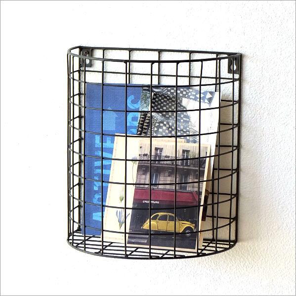 ウォールラック かご カゴ バスケット アイアン 壁掛け 収納 ポケット ウォールバスケット おしゃれ シンプル 郵便受け 半円のアイアンバスケット [ksh6882]