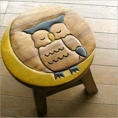 ふくろうの木製ミニスツール かわいい 小さい椅子 観葉植物 花台 ミニテーブル 置き台 アジアン雑貨 子供椅子 みみずくさん