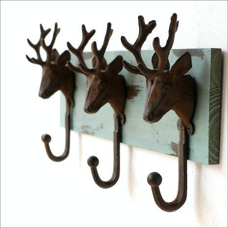 壁掛けフック 3連 シカ 鹿の角 ウォールデコ 壁飾り シャビーアンティーク アイアンのディアー3フック