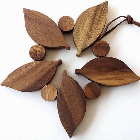 鍋敷き 木製 おしゃれ アカシア 木の葉の鍋敷き [spc6242]