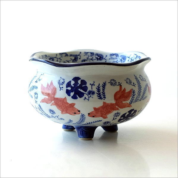 陶器の金魚鉢