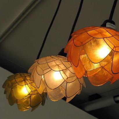 ペンダントライト アジアン おしゃれ かわいい 1灯 花 フラワー カフェ ナチュラル シーリングライト LED対応 天井照明 カピスシェルペンダントランプ [tom1254]